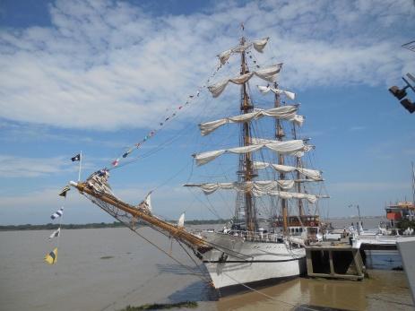 Schiff im Hafen von Guayaquil