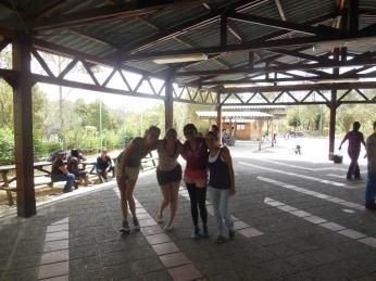 Salsatanzen in Quito mit Rayna, Joana und Raquel