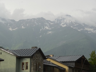 Blick auf die Berge um Mestia