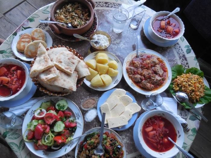 In Georgien ist der Tisch immer reichlich gedeckt