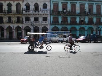 Alte Fassaden zieren die Straßen der Hauptstadt Kubas